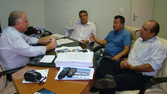 Presidente da Câmara recebe diretores do Ricoy Supermercados