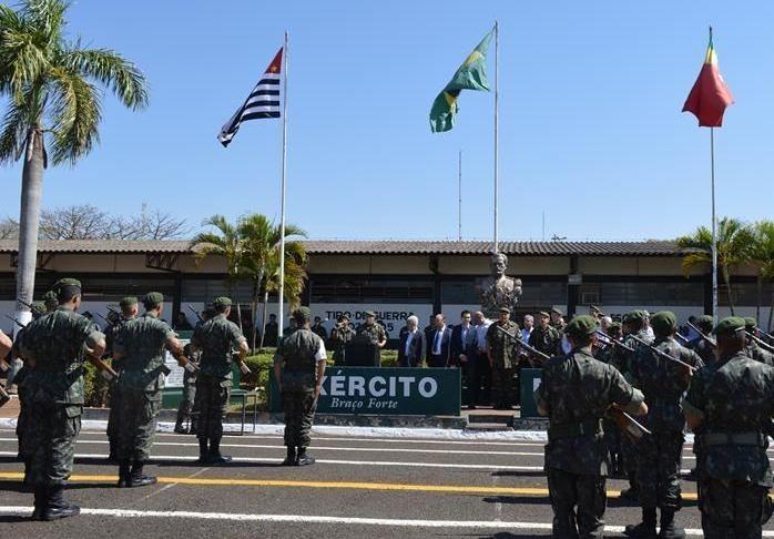 Paulo Correa destaca necessidade de reforma do prédio do Tiro de Guerra