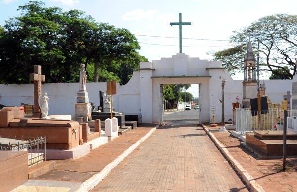 Paulo Correa questiona áreas no entorno do Cemitério da Paz