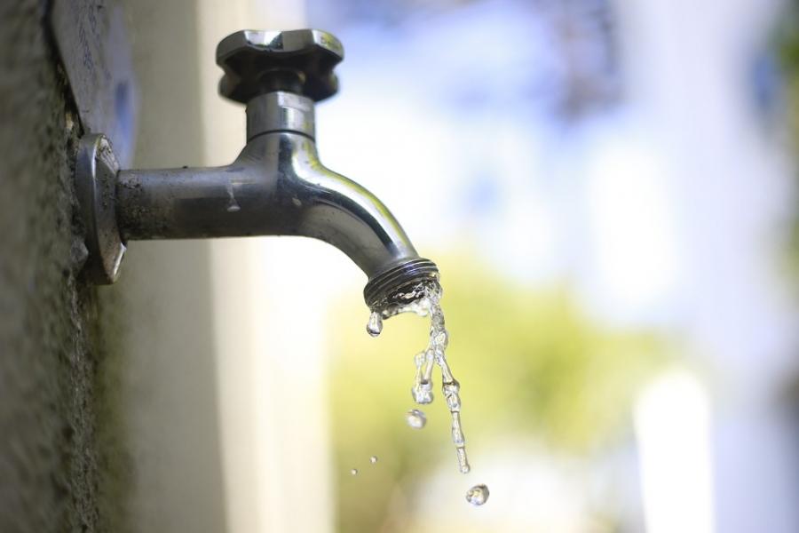 Paulo Correa cobra o envio de projeto que isente famílias carentes de pagar até 20 mil litros de água por mês
