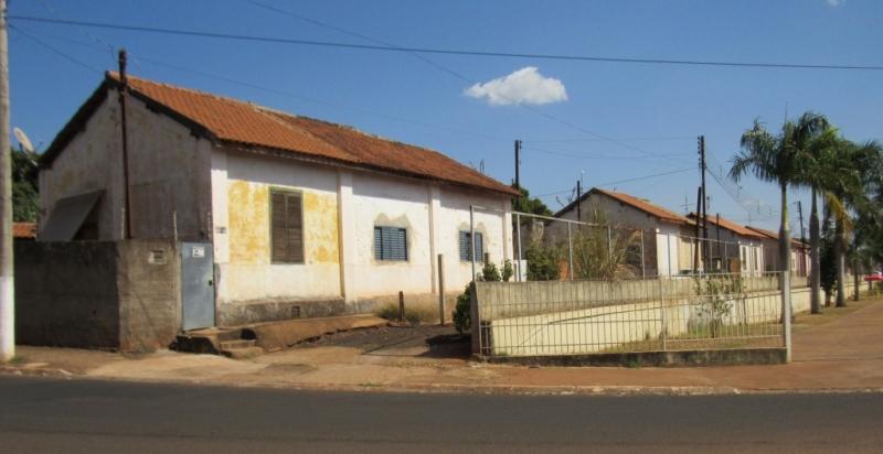 Prefeitura de Barretos cancela cobrança de IPTU das 30 casas da antiga FEPASA