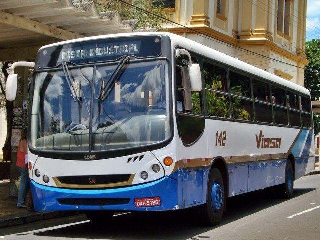 Paulo Correa questiona aumento na passagem de ônibus